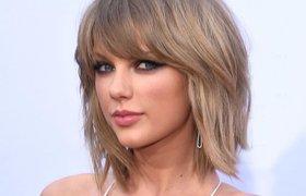 Taylor bị phát tán ảnh trong vụ kiện bị tấn công tình dục