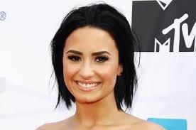 Muôn vàn kiểu cười của Demi Lovato nhân ngày nụ cười thế giới