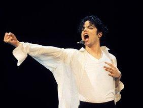 Ông hoàng nhạc pop Michael Jackson bị ám sát?